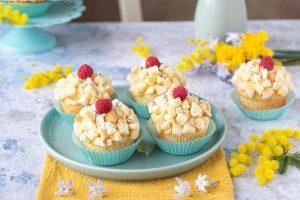 Cupcake mimosa al limone e lamponi