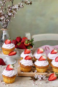 Cupcakes con crema alle fragole