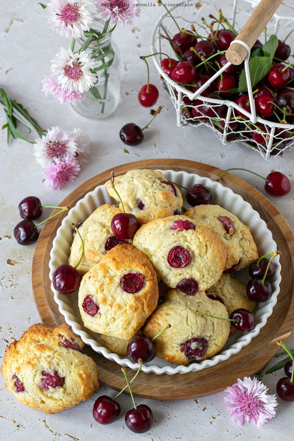 Biscotti morbidi alle ciliegie