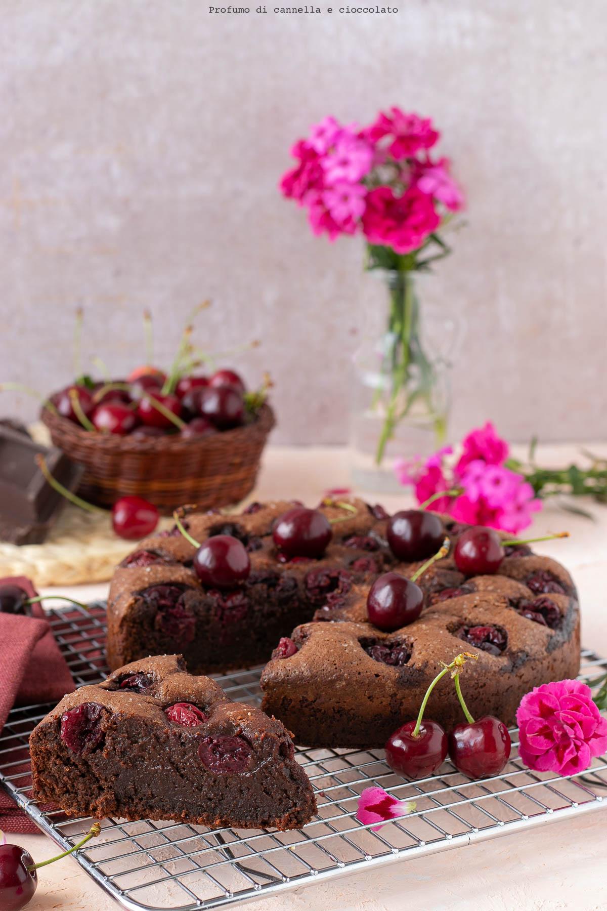 Torta cioccolatino senza farina alle ciliegie